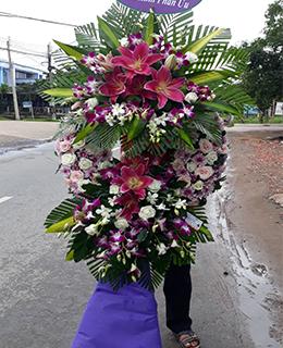 VÒNG HOA ĐÁM TANG HCB-041
